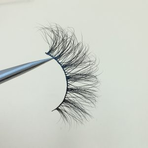 in terms of delivery time, in the Internet age, time is money, and in the Internet age, the winner takes all. Whoever seizes the time will gain business opportunities.Our delivery is quick.You can receive our beautiful eyelashes 2 to 4 days after we deliver the goods.We can guarantee the time and quality of delivery