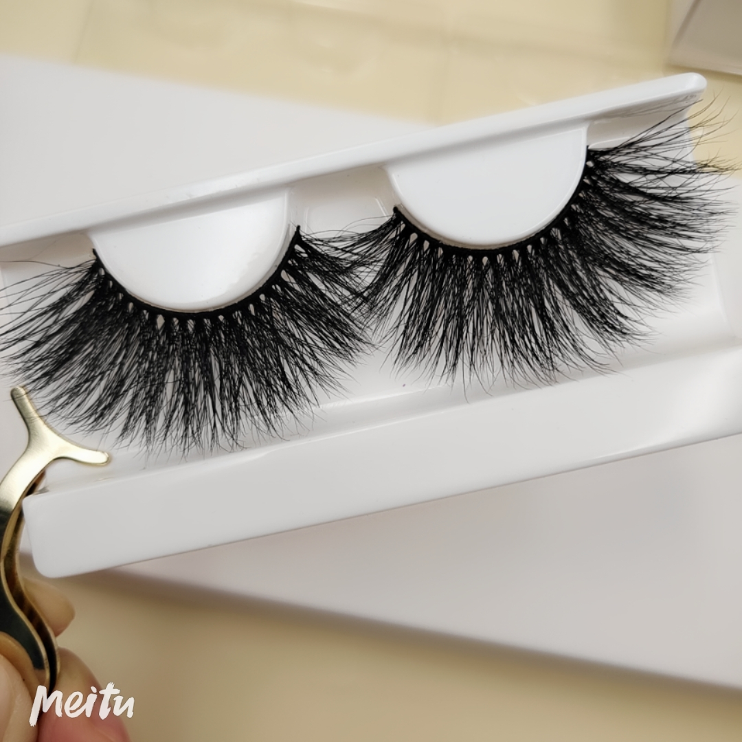 Professional Mink Eyelash Suppliers Tell You What Style Of