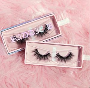 eyelash strip packaging