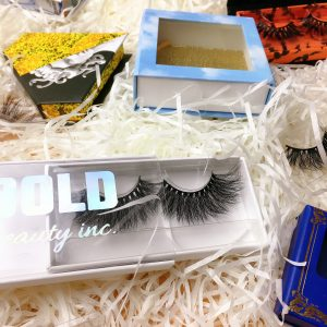 lashes and packaging factory